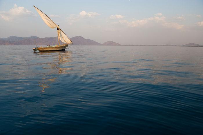 lake-malawi-sail