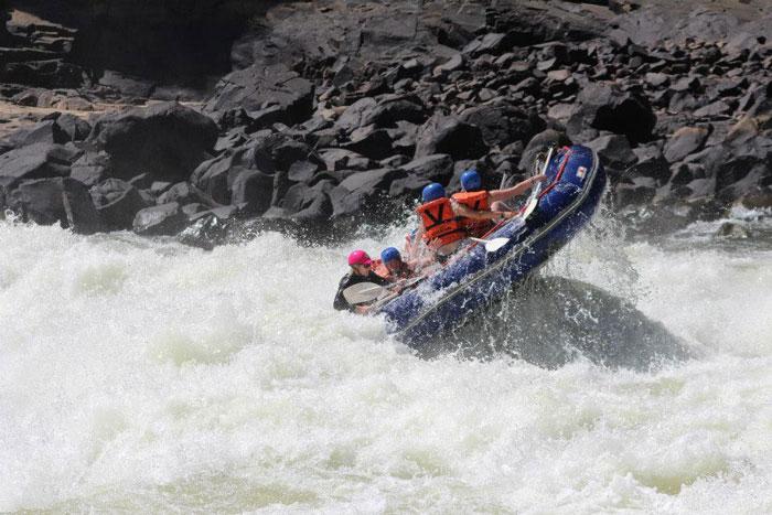 whitewater-rafting-zambezi-river