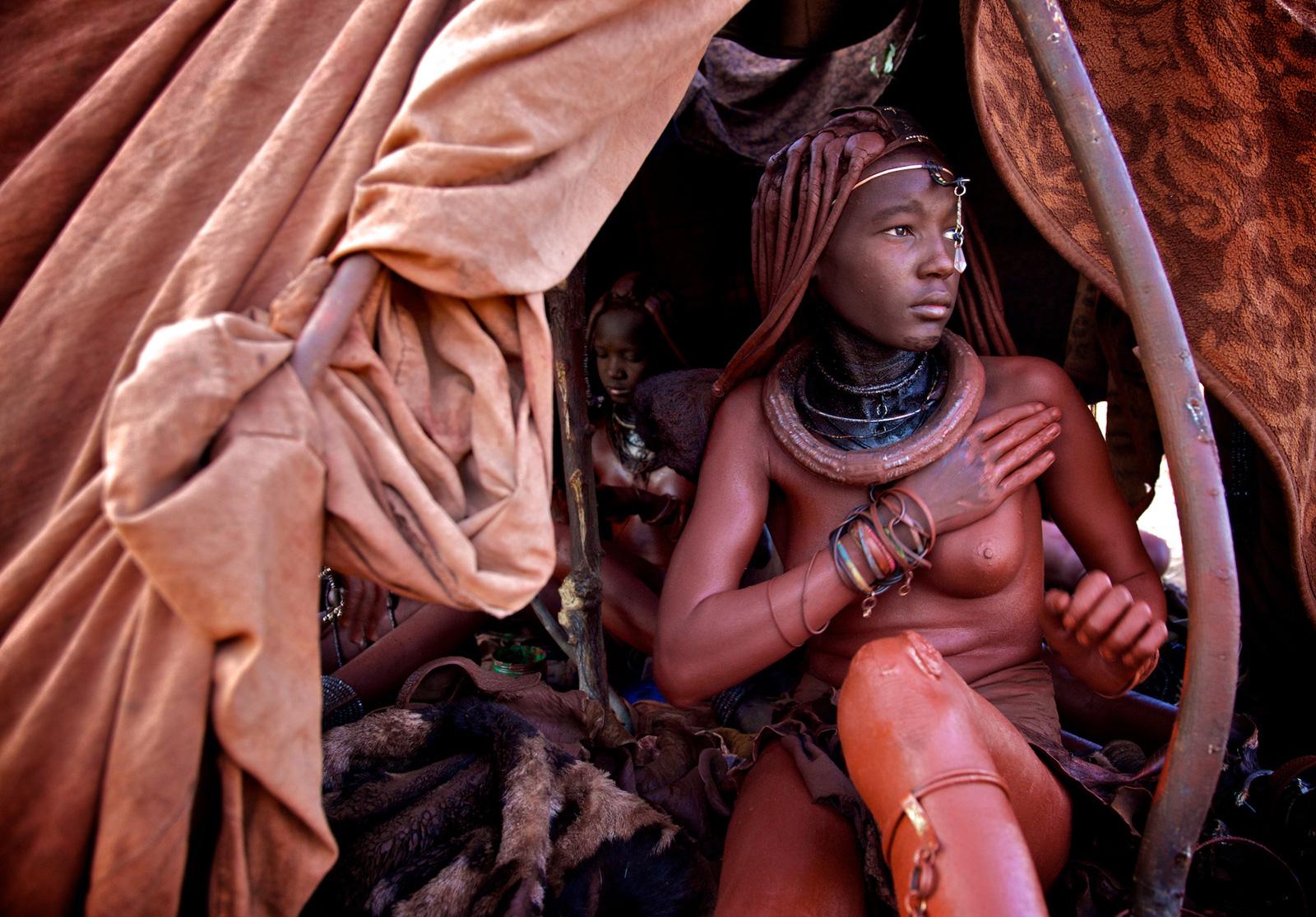 Himba-women-namibia-alegra-ally-11