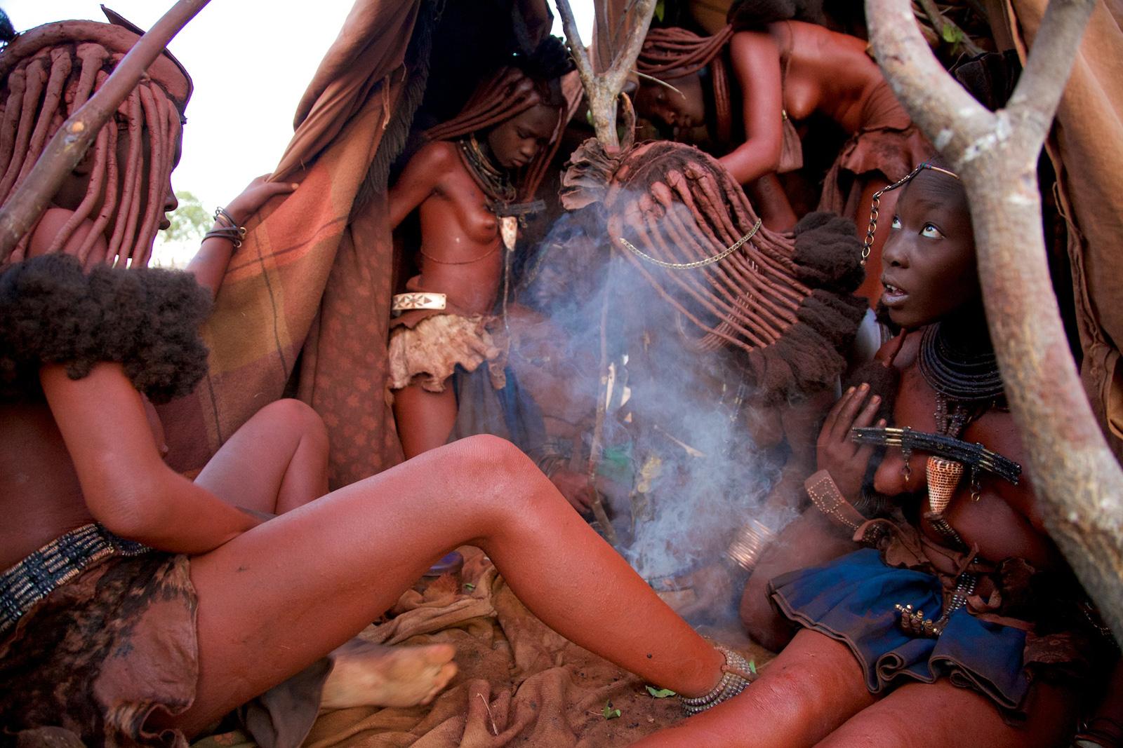 Himba-women-namibia-alegra-ally-9