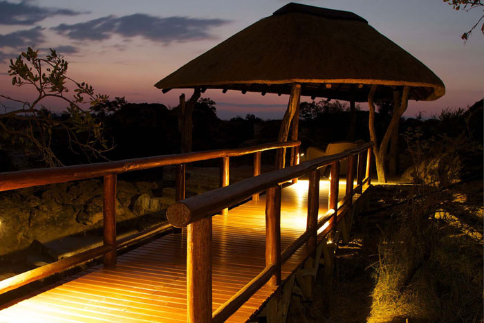 Tuli-Safari-Lodge-sleepout-hide