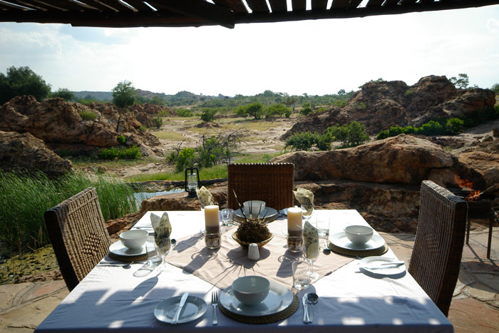 safari-lunch-at-a-hide
