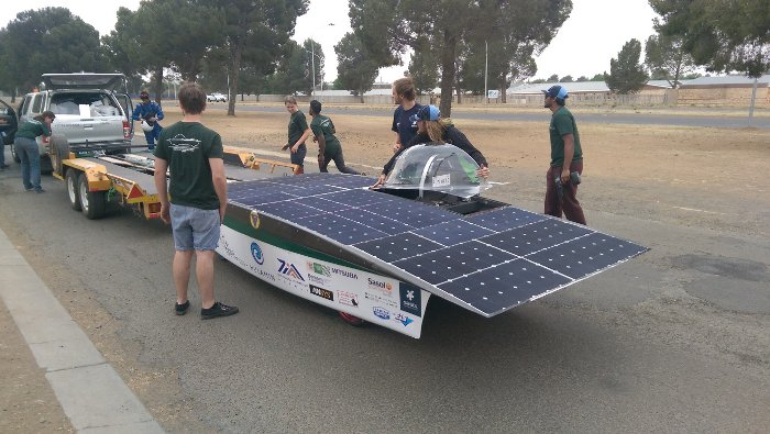 Getting ready for the first drive in Hulamin-iKlwa for the race. © UKZN Solar team