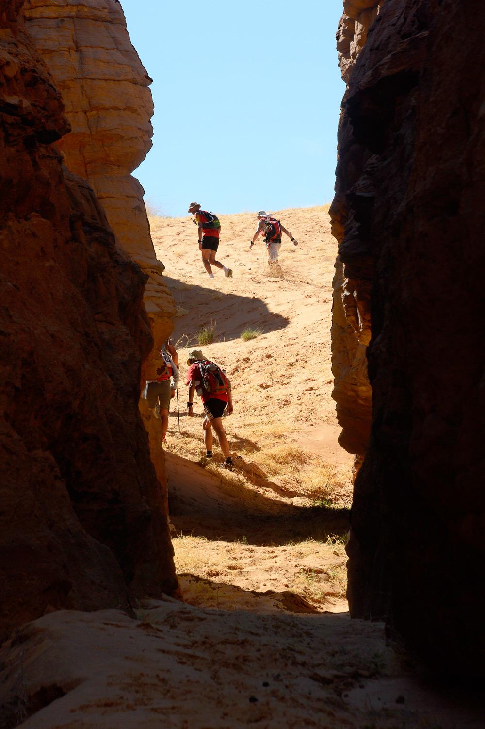 Le-treg-runners-canyon-ennedi