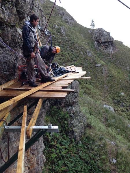 cape-canopy-tour-deck-construction