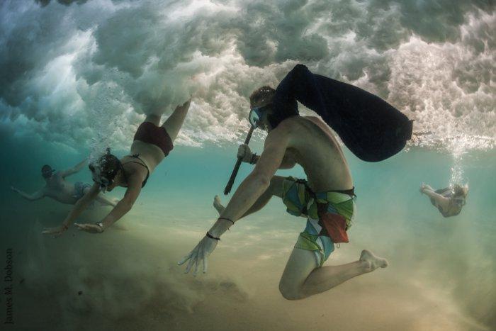 Breaking-waves-Fiona-Ayerst