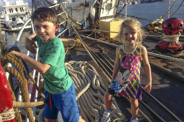Children-tallship-sailing