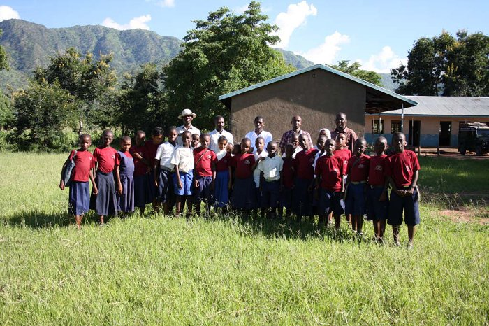 The students of the wildlife conservation club and their teachers in front of the Chimala primary school.