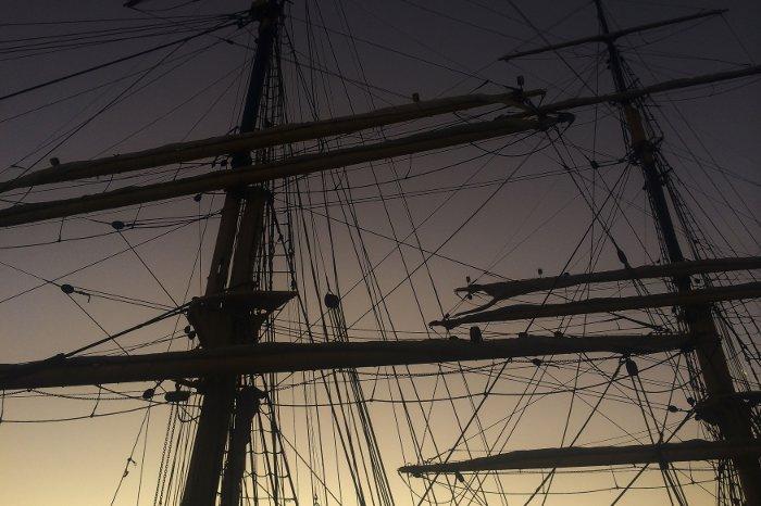 Yards-mast-Picton_castle