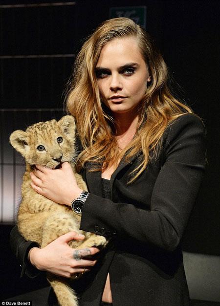 cara-delevingne-tag-heuer-lion-cub