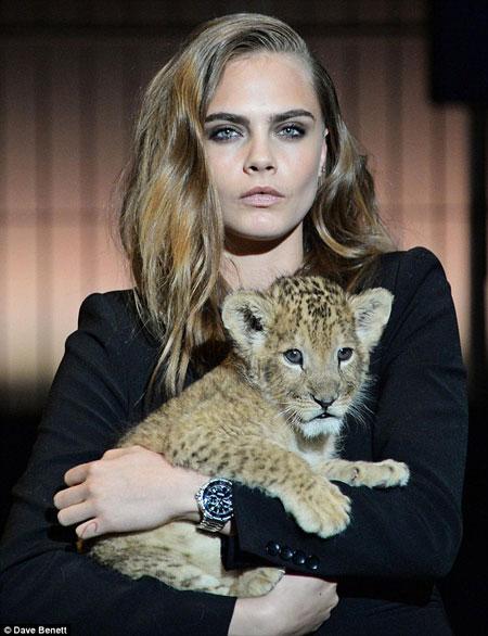cara-delevingne-tag-heuer-lion