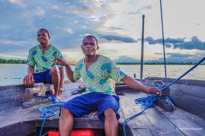 lake-malawi-locals