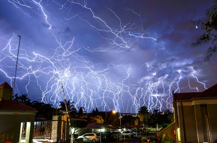 11 Dramatic Images Of Lightning Over Johannesburg Africa