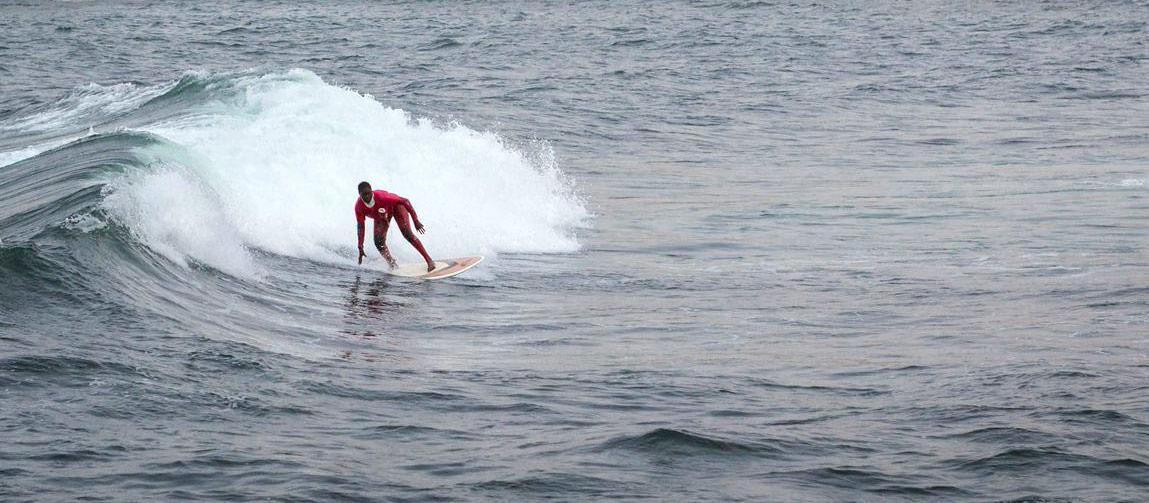 woman-surfer-senegal-dakar