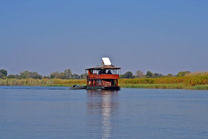 houseboat okavango