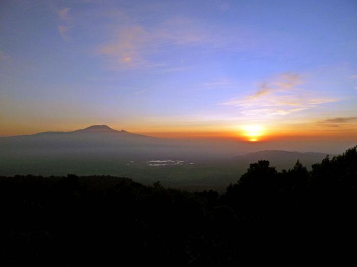 mount-meru-sunrise