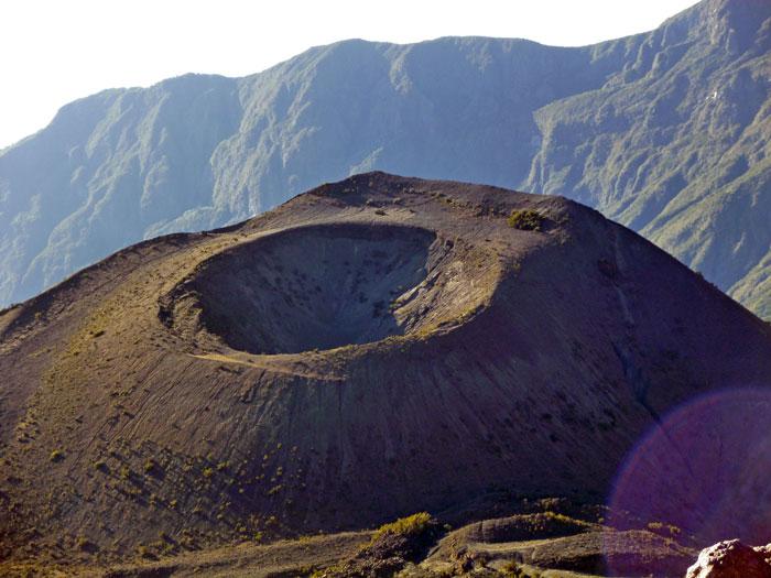 mt-meru-crater