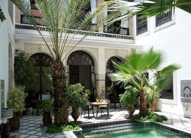 Win a 3 night stay in a luxury marrakech riad africa - Maison marocaine avec patio ...