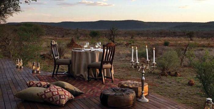 Madikwe-Hills-dinner