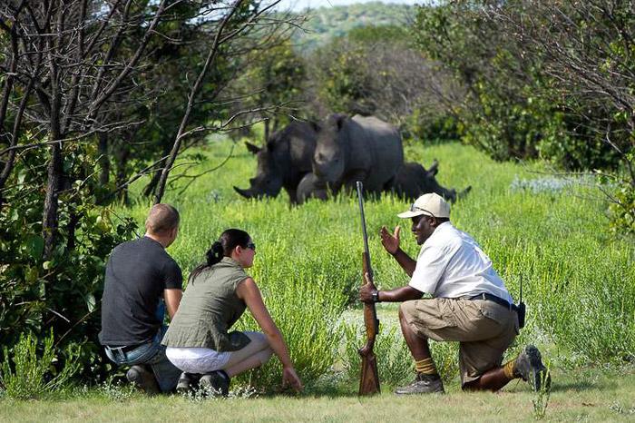 Ongava-Lodge-walking-safari