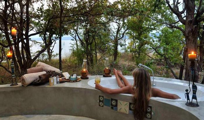 changa-daylight-bath
