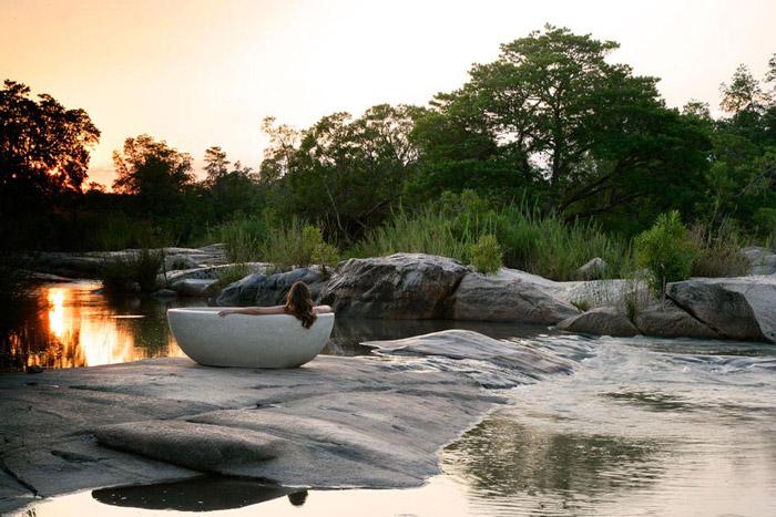granite-suites-bath-river