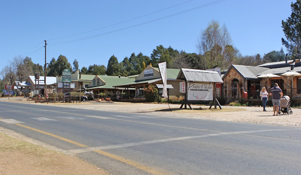 Dullstroom_-_a_tiny_city_in_South_Africa_(15135494817)
