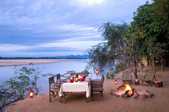 dinner on river