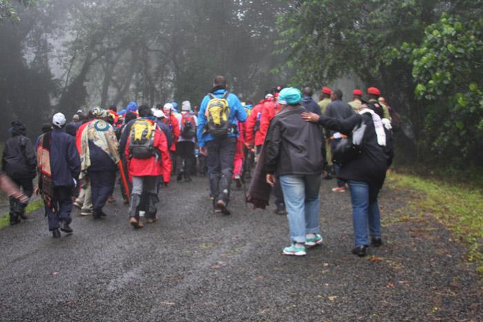 500 climbers hike Kilimanjaro for AIDS awareness
