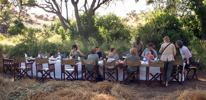 baobab-family-breakfast-tuli-safari-lodge