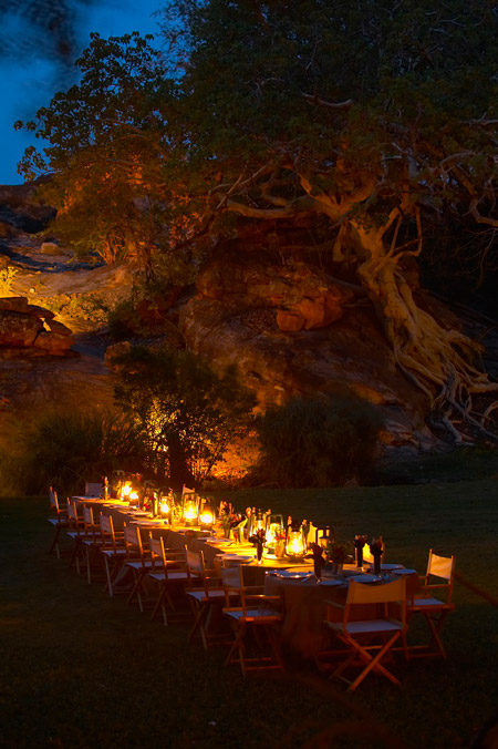 garden-dining-evening