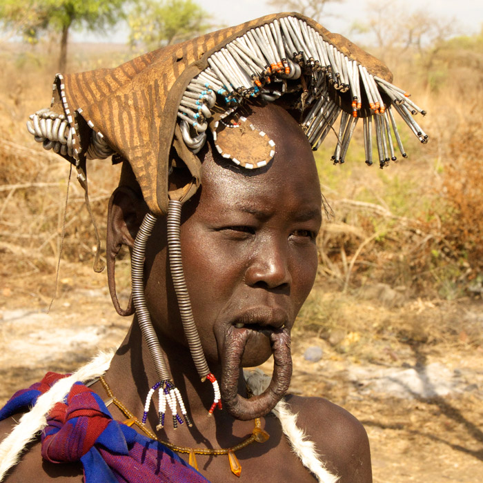Traditional Mursi woman