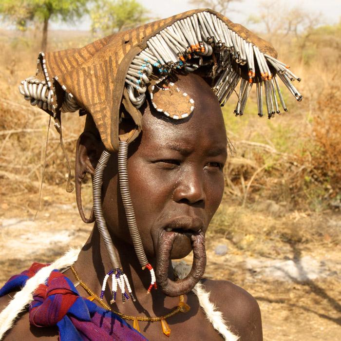 Traditional Mursi woman
