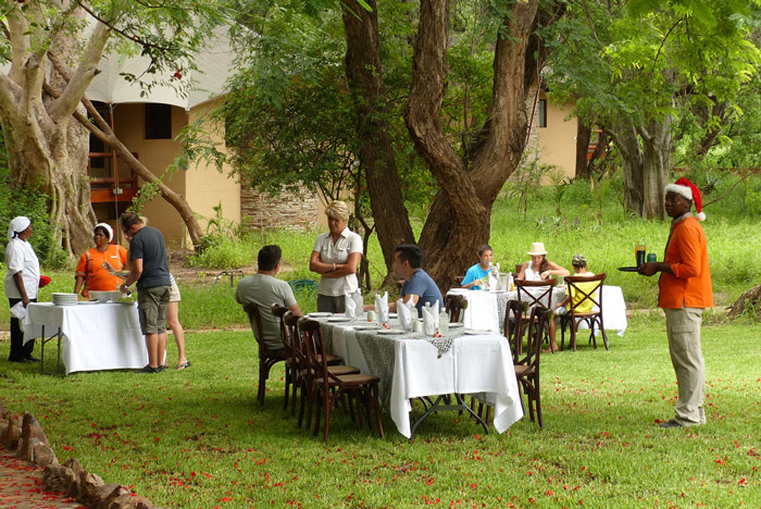 tuli-safari-lodge-meal