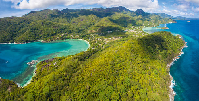 A panoramic view over Constance Ephelia towards the Morne Seychellois National Park. ©  Constance Hotels & Resorts