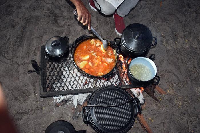 cooking-meals-on-braai