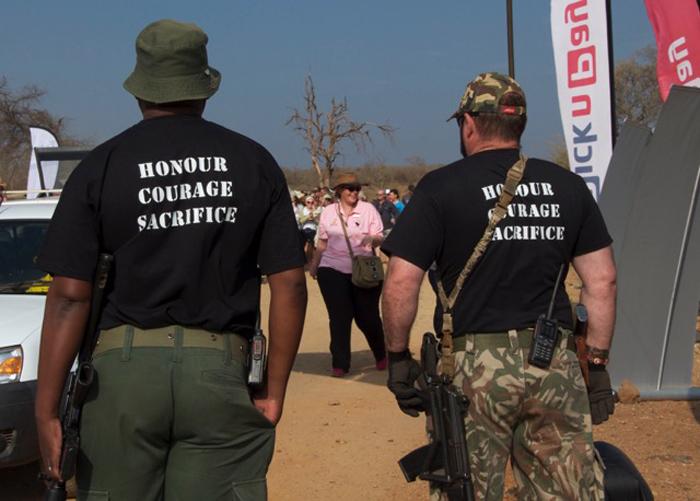 jacis-lodge-madikwe-rhino-walk