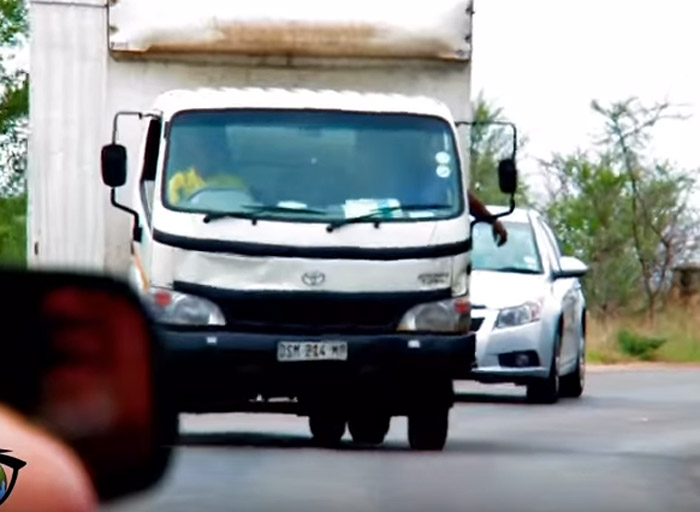 truck-hoots-elephants-in-kruger