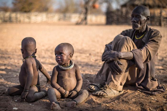 namibia-himba-children