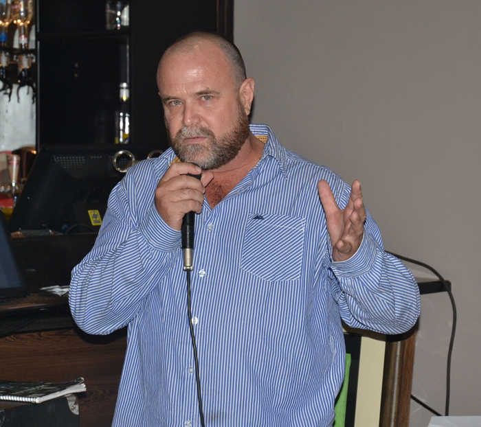 VFAPU co-founder Charles Brightman speaking at the golf day