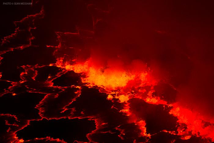 Nyiragongo-lava-Sean-Messham