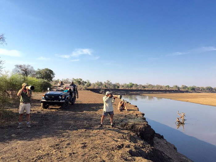 Photographing-along-the-Luangwa-River