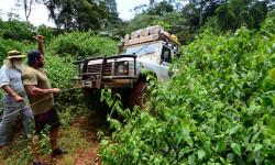 car-stuck-heart-of-africa