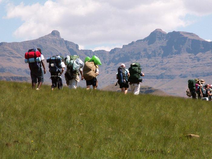 hiking-sani-lodge