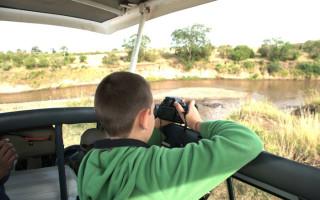 kids-practising-photography