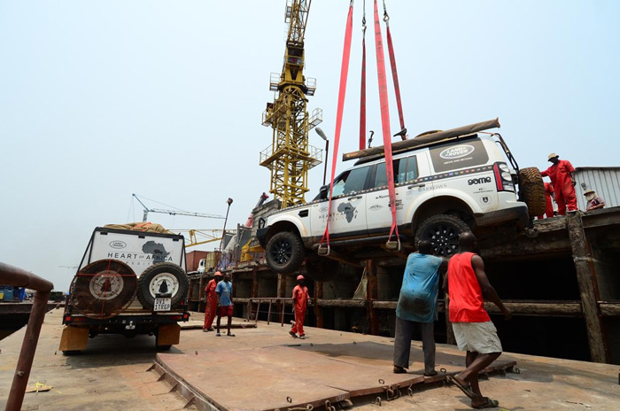 lifting-vehicle-heart-of-africa-expedition