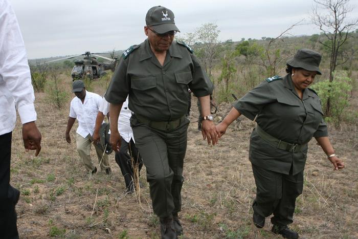 President Jacob Zuma and Environmental Affairs Minister Ms Edna Molewa arrive at the scene where a rhino was darted. Photo's: Nicolene Olckers