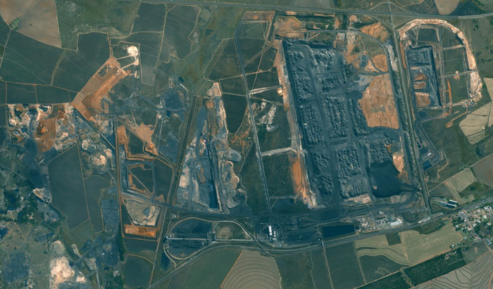 SPOT5 satellite imagery (2013) of open cast coal operations in Mpumalanga and encroachment on surrounding farmland.