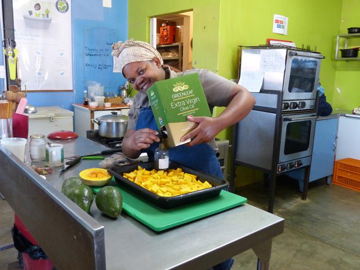 Thanda working in the kitchen ©Sharon Gilbert-Rivett