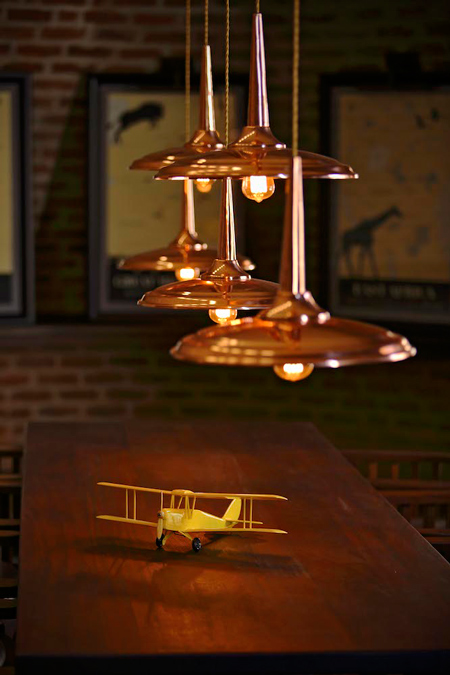 plane-toy-angama-mara